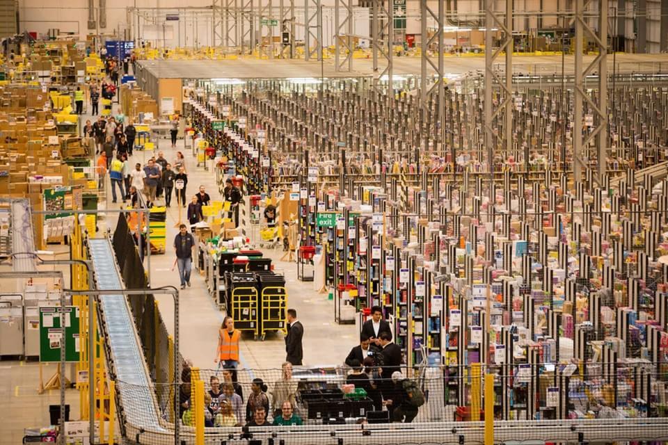 Imagem de Monstro logístico: veja como é um centro de distribuição da Amazon no Natal no site TecMundo