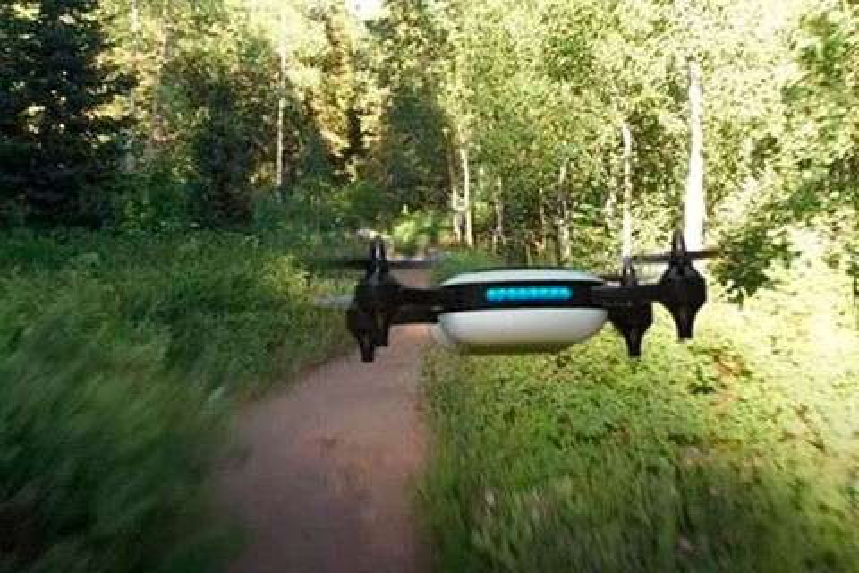 Imagem de Implacável: drone mais veloz do mundo atinge 137 km/h enquanto filma em 4K no tecmundo