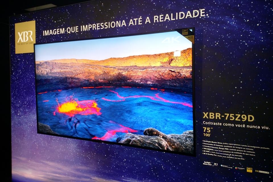 Imagem de TV luxuosa de 100 polegadas da linha XBR da Sony chega ao Brasil em outubro no tecmundo