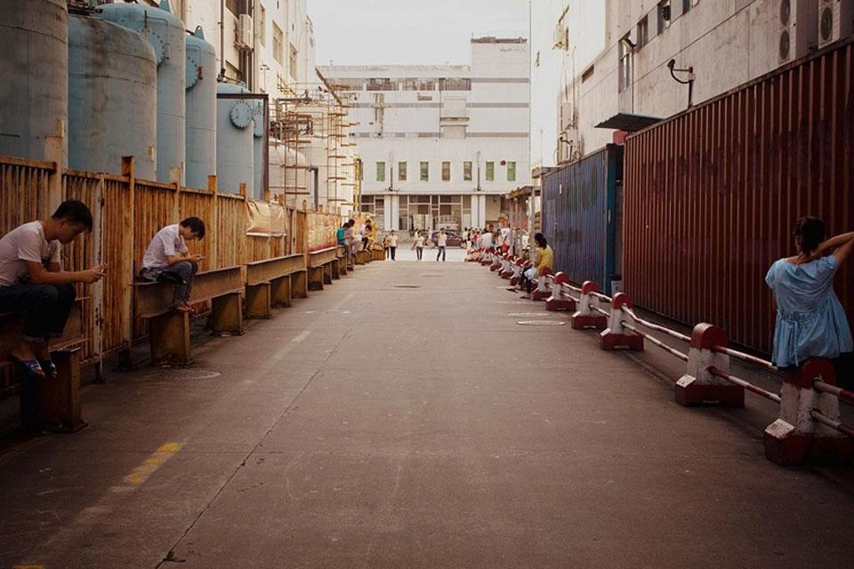 Imagem de Veja fotos raras do local onde o seu iPhone é construído no tecmundo