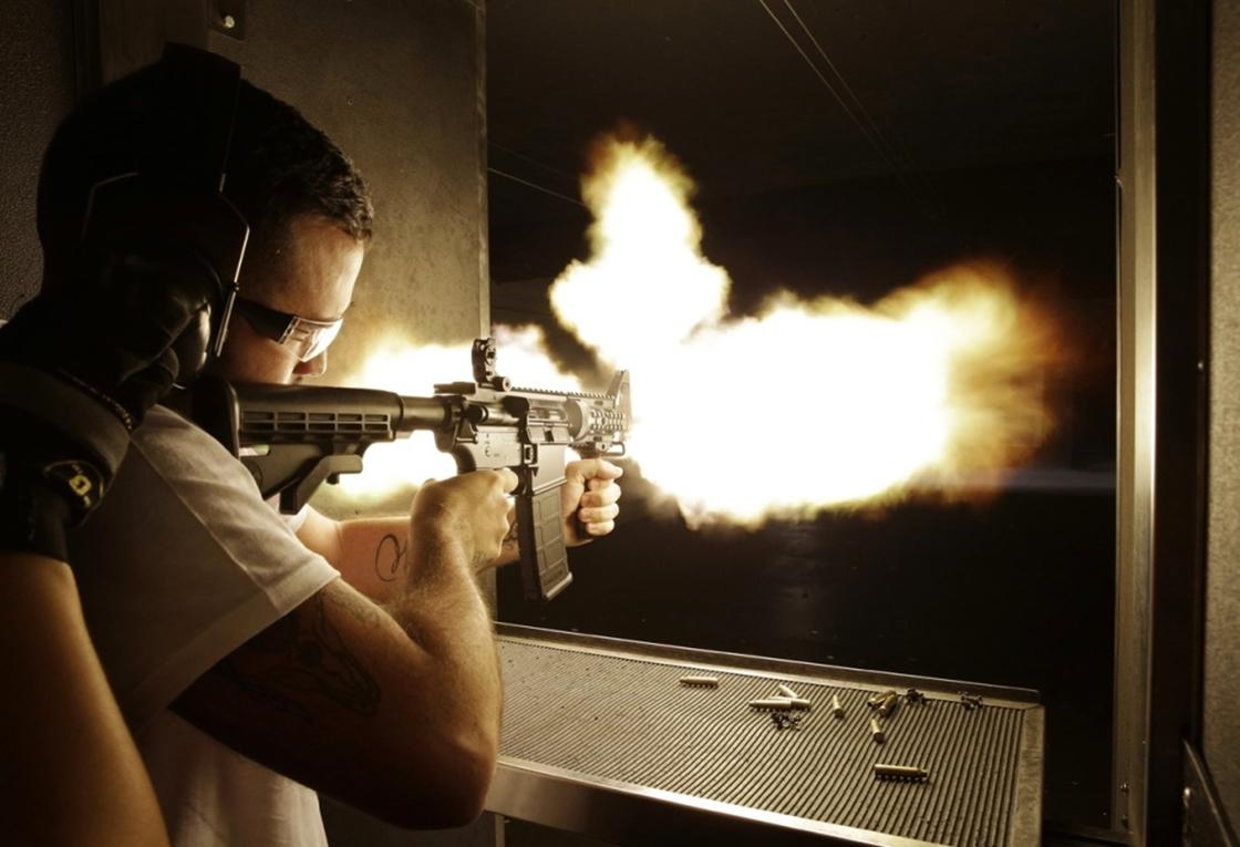 Imagem de Coisas dos EUA: americanos utilizam armas e balas de verdade em VR no tecmundo