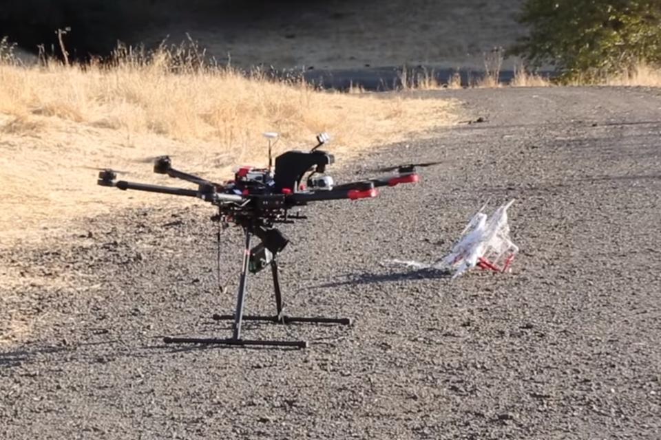 Imagem de Agora drones são capazes de caçar outros drones [vídeo] no tecmundo