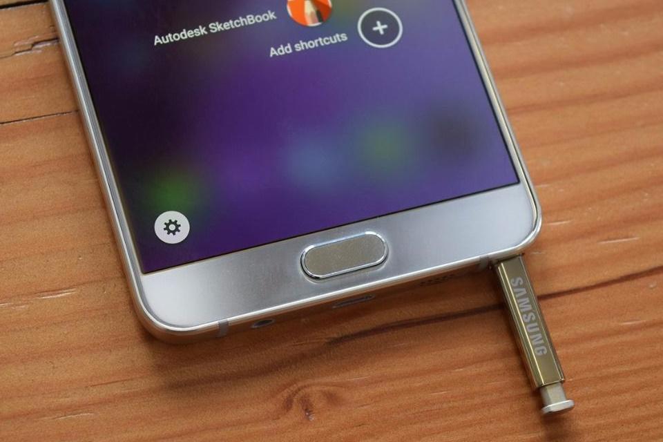 Imagem de Samsung ainda não descobriu a causa das explosões do Note 7 no tecmundo