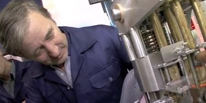 Imagem de Bateria transforma ar em líquido para armazenar energia eólica [vídeo] no site TecMundo