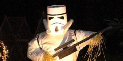 Imagem de Fã recria personagens de Star Wars com espantalhos no site TecMundo