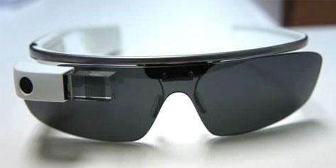 Imagem de Mulher leva multa por dirigir com o Google Glass no site TecMundo