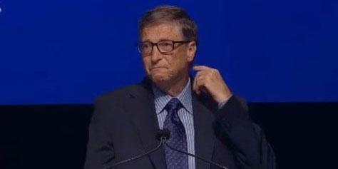 Imagem de Bill Gates segura as lágrimas ao falar sobre Steve Ballmer no site TecMundo