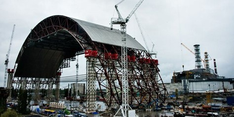 Imagem de Gigantesco arco de aço cobrirá o reator 4 de Chernobyl por mais 100 anos no site TecMundo