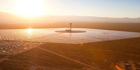Imagem de Ivanpah: uma usina solar capaz de gerar 1 milhão de MWh por ano no site TecMundo