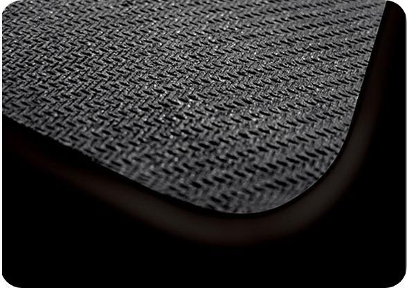89befbc9bdb83 Uma superfície colada à base com aderência terá durabilidade (Fonte da  imagem  Divulgação Razer)