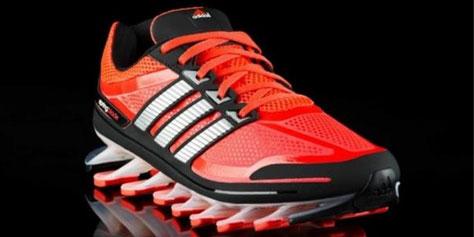 Imagem de Adidas apresenta o Springblade, tênis que traz sola inovadora no site TecMundo