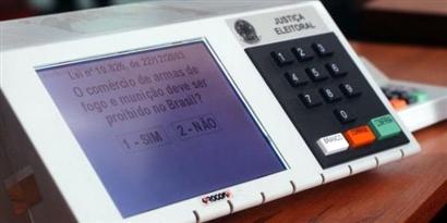 Imagem de O sistema de votação com urnas eletrônicas do Brasil é seguro? no site TecMundo