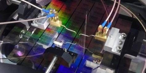Imagem de Será o fim do silício? Cientistas da IBM criam chip de grafeno no site TecMundo
