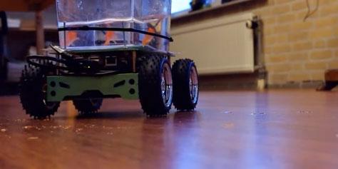 """Imagem de Vídeo mostra peixe """"dirigindo"""" um aquário de quatro rodas no site TecMundo"""