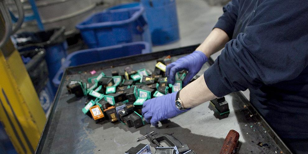 Imagem de Visitamos a fábrica de reciclagem de cartuchos da HP na Irlanda no site TecMundo
