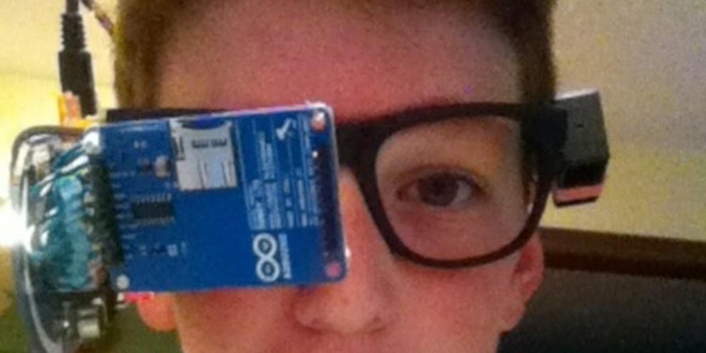 Imagem de Jovem de 13 anos cria Google Glass caseiro com Arduino no site TecMundo