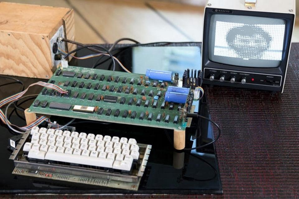 Imagem de Apple-1 é vendido por US$ 905 mil para museu dos EUA no site TecMundo