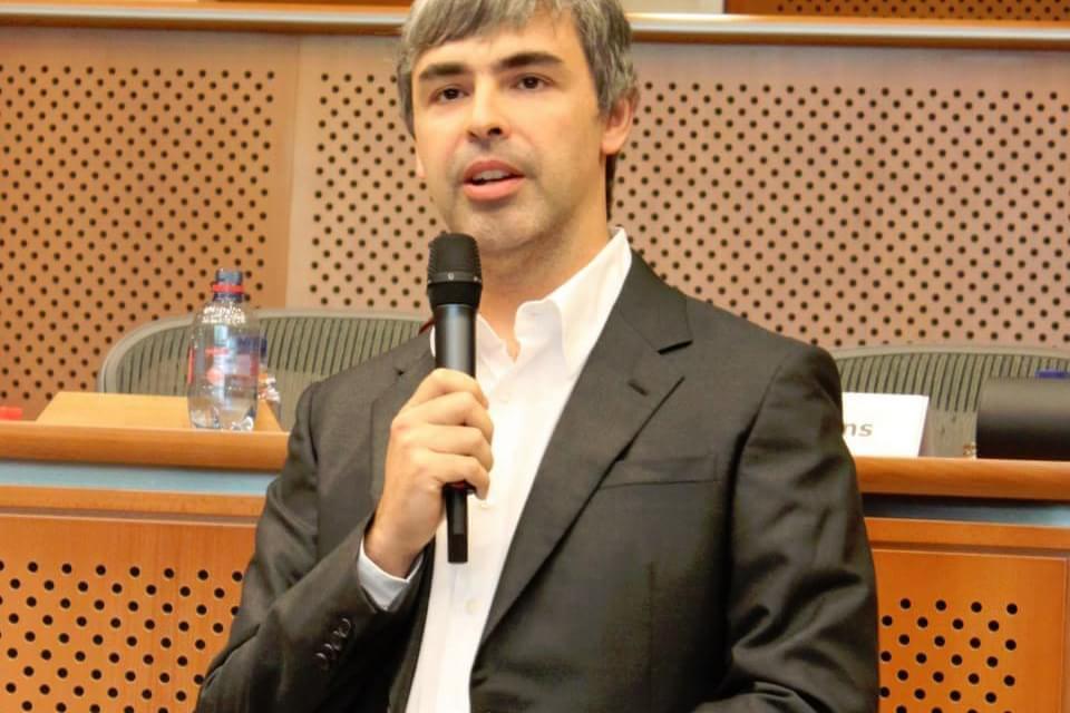 """Imagem de Larry Page dizia para Steve Jobs: """"Você não faz coisas o suficiente"""" no site TecMundo"""