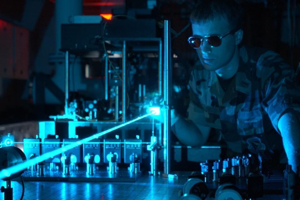 Imagem de No futuro, 'processadores fotônicos' poderão trabalhar à velocidade da luz no site TecMundo