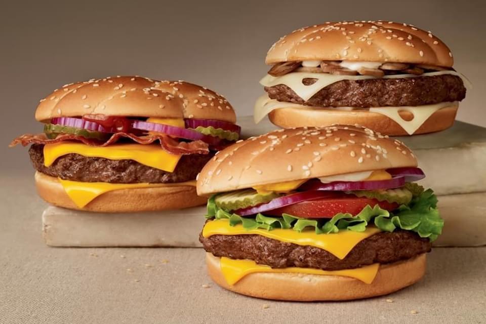 Imagem de O sonho de montar lanches usando touchscreen no McDonald's já é realidade no site TecMundo