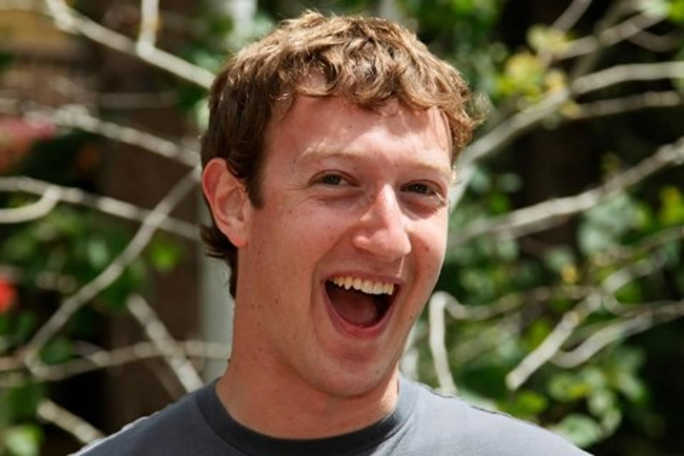 Imagem de Mark Zuckerberg bloqueia comentários em seu perfil após zoeira brasileira no site TecMundo