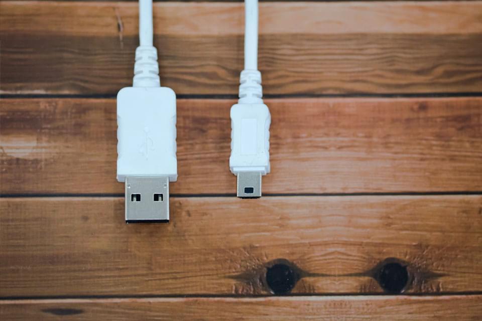 Imagem de Mais rápido e reversível, USB 3.1 será lançado no começo de 2015 no site TecMundo