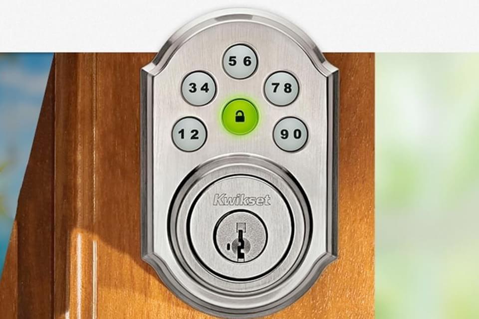 Imagem de Que tal abrir e fechar a porta de sua casa remotamente através do celular? no site TecMundo