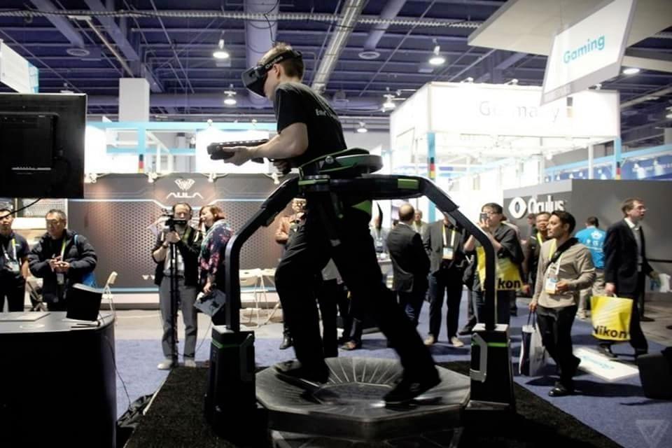 Imagem de Esteira Virtuix Omni deixa realidade virtual ainda mais incrível [vídeo] no site TecMundo