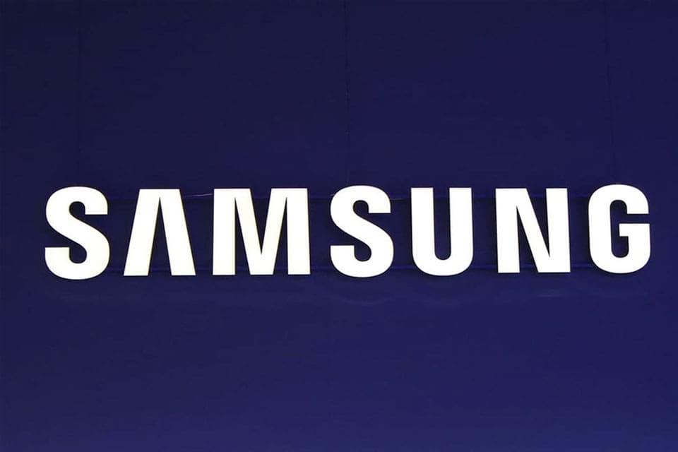 Imagem de Samsung se prepara para lançar smartwatch com tela circular na MWC 2015 no site TecMundo