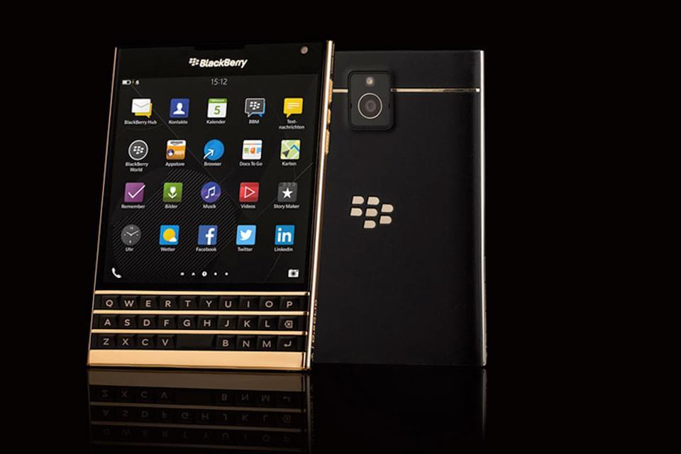 Imagem de BlackBerry Passport dourado se esgota no mesmo dia do lançamento no site TecMundo