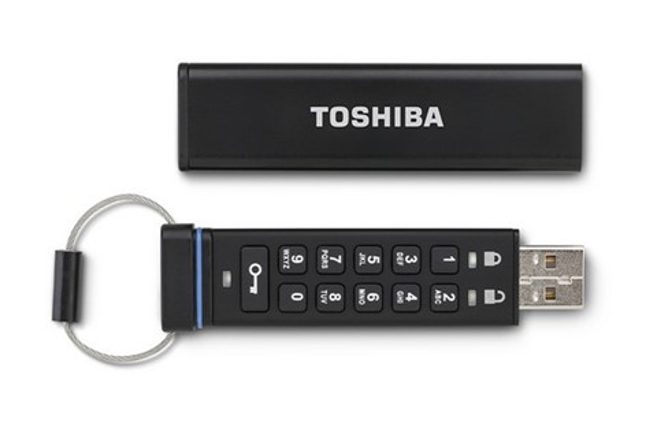 Imagem de Segurança: Toshiba lança pendrive que protege dados armazenados com senha no site TecMundo