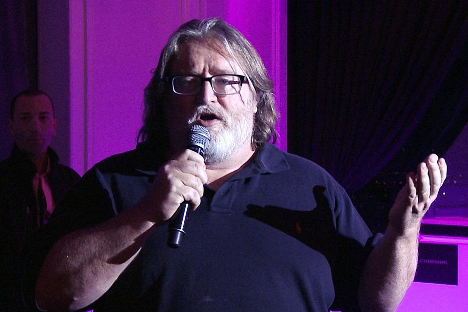 Imagem de Gabe Newell afirma que ninguém vai passar mal usando os óculos HTC Re Vive no site TecMundo