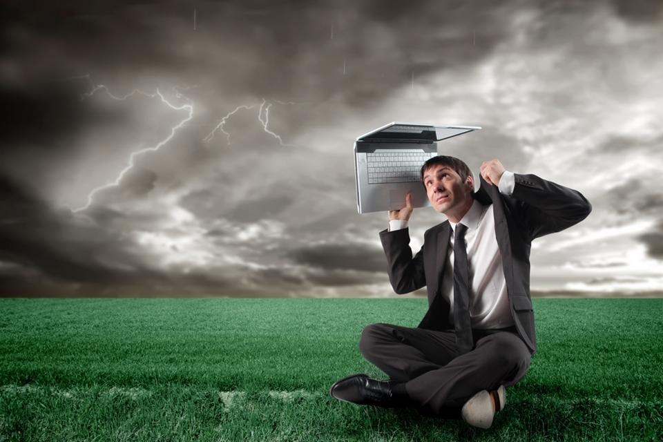 Imagem de Mito ou verdade: a chuva pode fazer a internet ficar lenta? no site TecMundo
