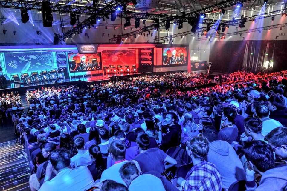 Imagem de Gamescom 2015, enorme feira de games na Alemanha, bate recorde de inscritos no site TecMundo
