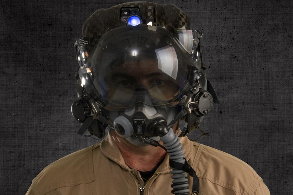 Imagem de Esse é o capacete mais caro que você pode usar enquanto pilota um caça F-35 no site TecMundo