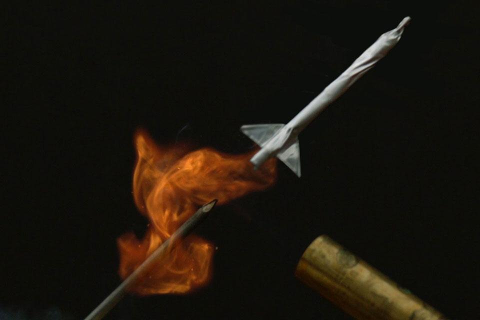 Imagem de Veja como é o lançamento de um míssil feito com um palito de fósforo no tecmundo