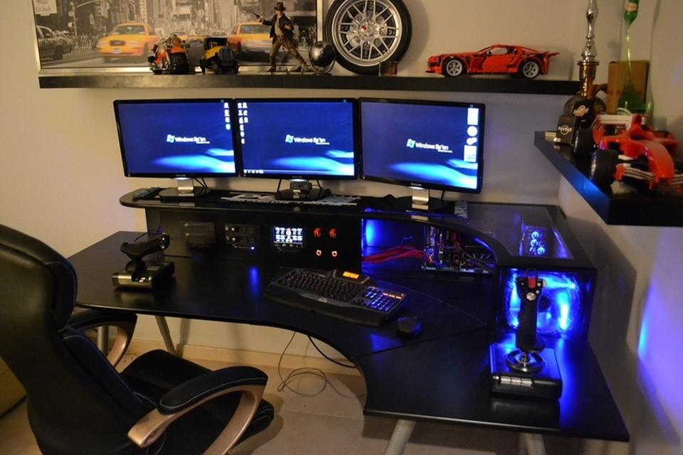 Imagem de Conheça Kapros, o impressionante gabinete que mescla mesa e computador no tecmundo