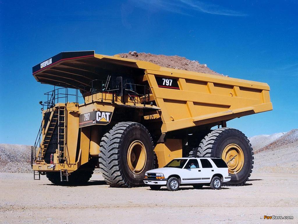 Imagem de Assista ao nascimento de um dos maiores caminhões do mundo, o CAT 797 no tecmundo