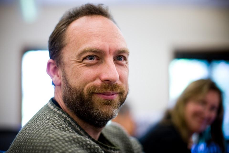 Imagem de Conversamos com Jimmy Wales, o fundador da Wikipédia no tecmundo
