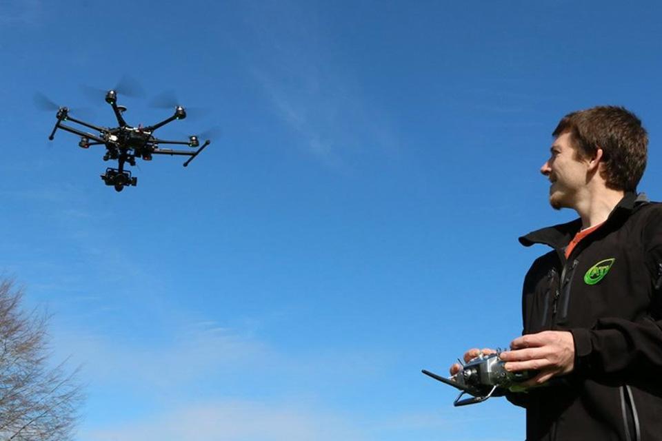 Imagem de Califórnia veta lei que bania voo de drones sobre propriedades privadas no tecmundo