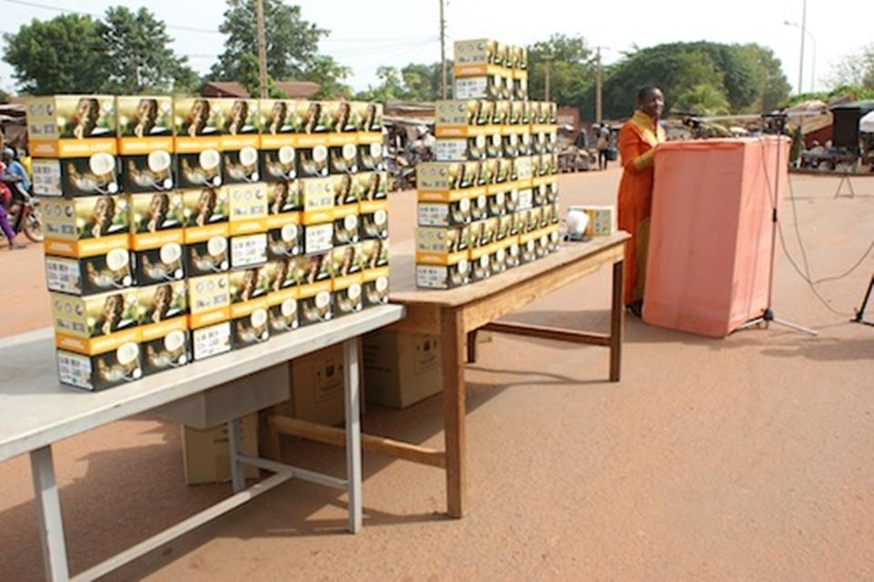 Imagem de Princesa africana cria iniciativa para trazer luz a povo sem eletricidade  no tecmundo