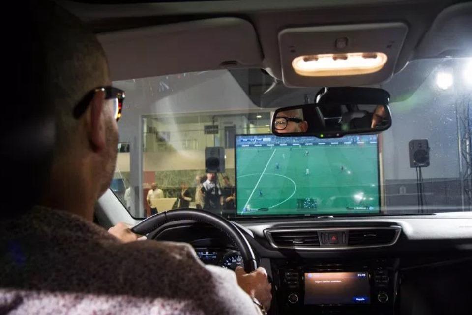 Imagem de Nissan transforma carro em controle de PS4 para jogar PES 2016 [vídeo] no tecmundo