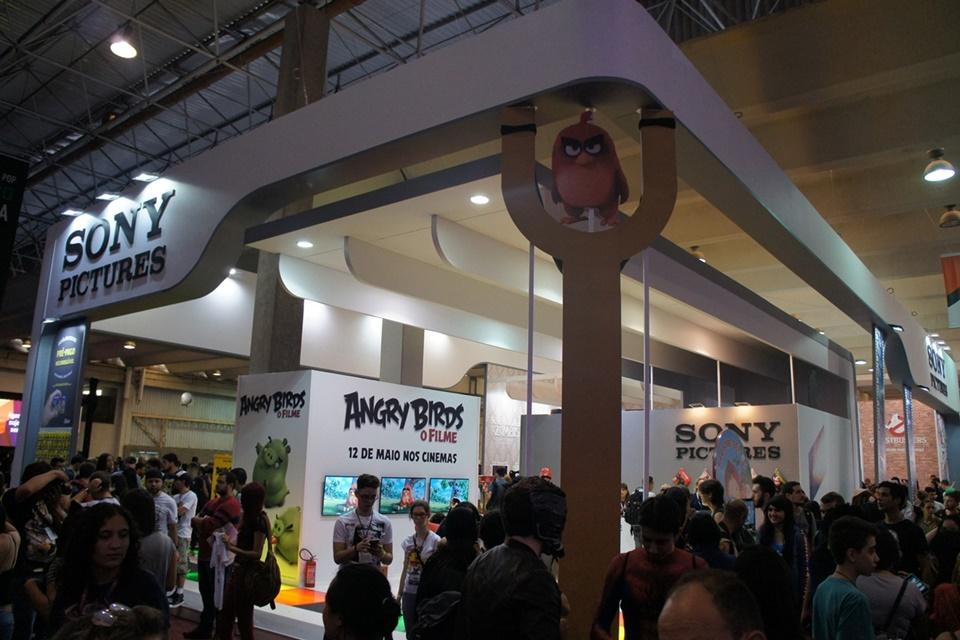 Imagem de Estande Sony Pictures atrai público com atividades, PS4 e brindes na CCXP no tecmundo