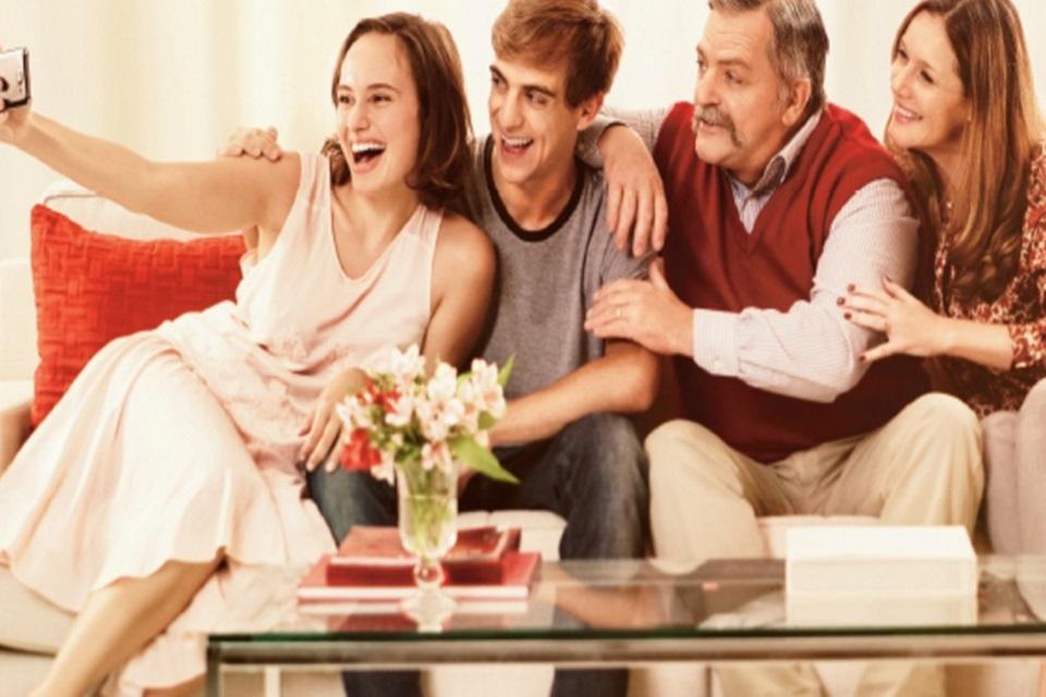Imagem de Veja a promoção de Natal da Claro para internet e telefonia no pós-pago no tecmundo