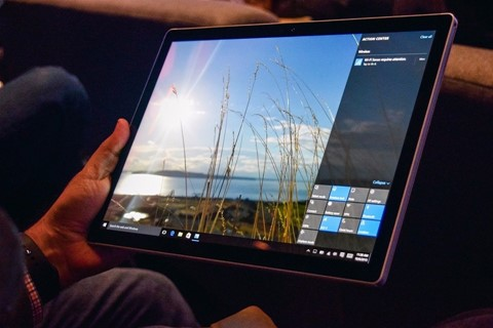 Imagem de Microsoft divulga novos comerciais para o Surface Pro 4 e Surface Book no tecmundo
