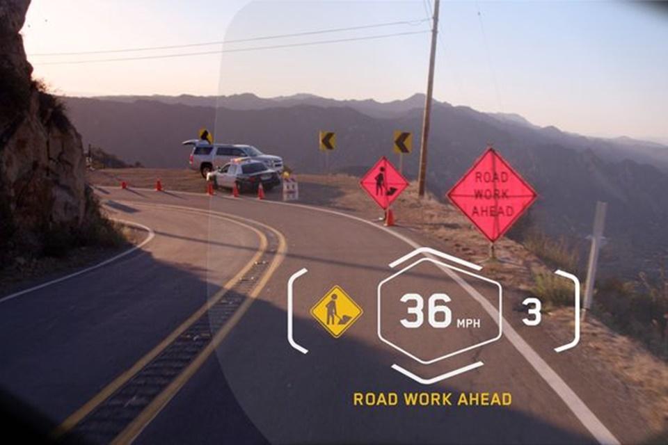 Imagem de Capacete para moto da BMW conta com recursos parecidos aos do Google Glass no tecmundo