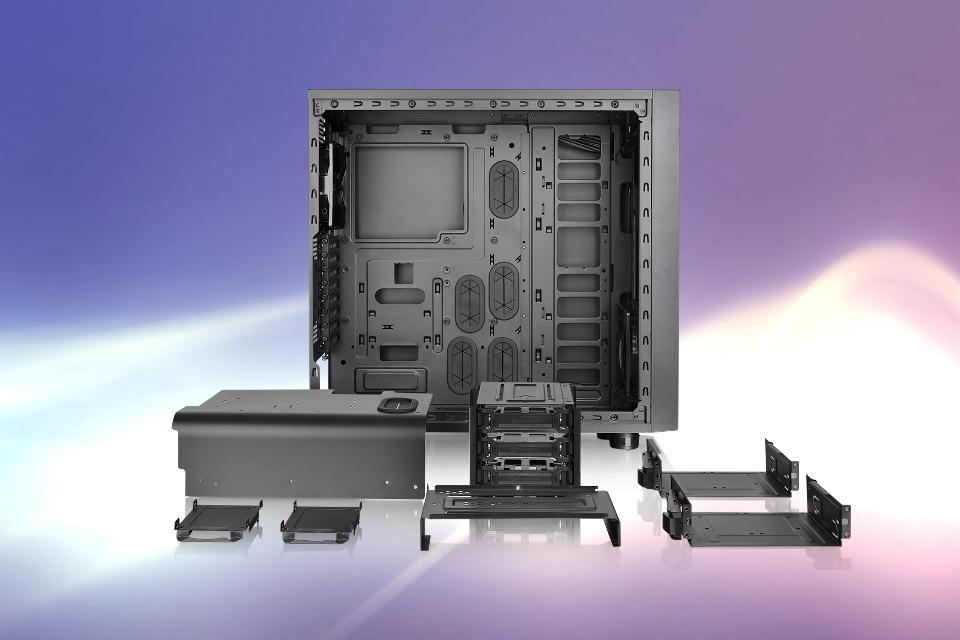 Imagem de Themaltake lança gabinetes Core X71 e Core X31 para PCs de alta performance no tecmundo
