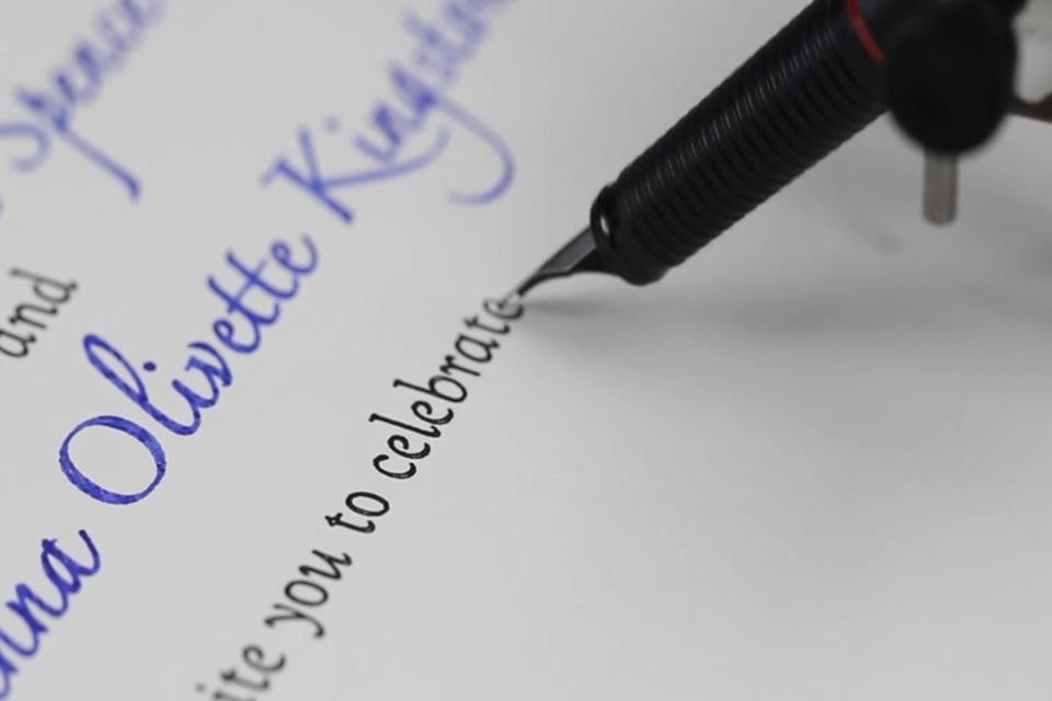 Imagem de Impressora que escreve e desenha tem a letra melhor que a sua [vídeo] no tecmundo