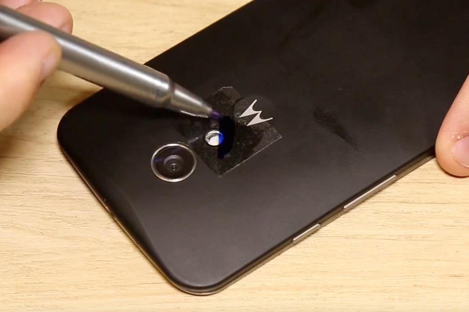 Imagem de Área 42: como fazer uma lanterna de luz negra com o seu celular [vídeo] no tecmundo