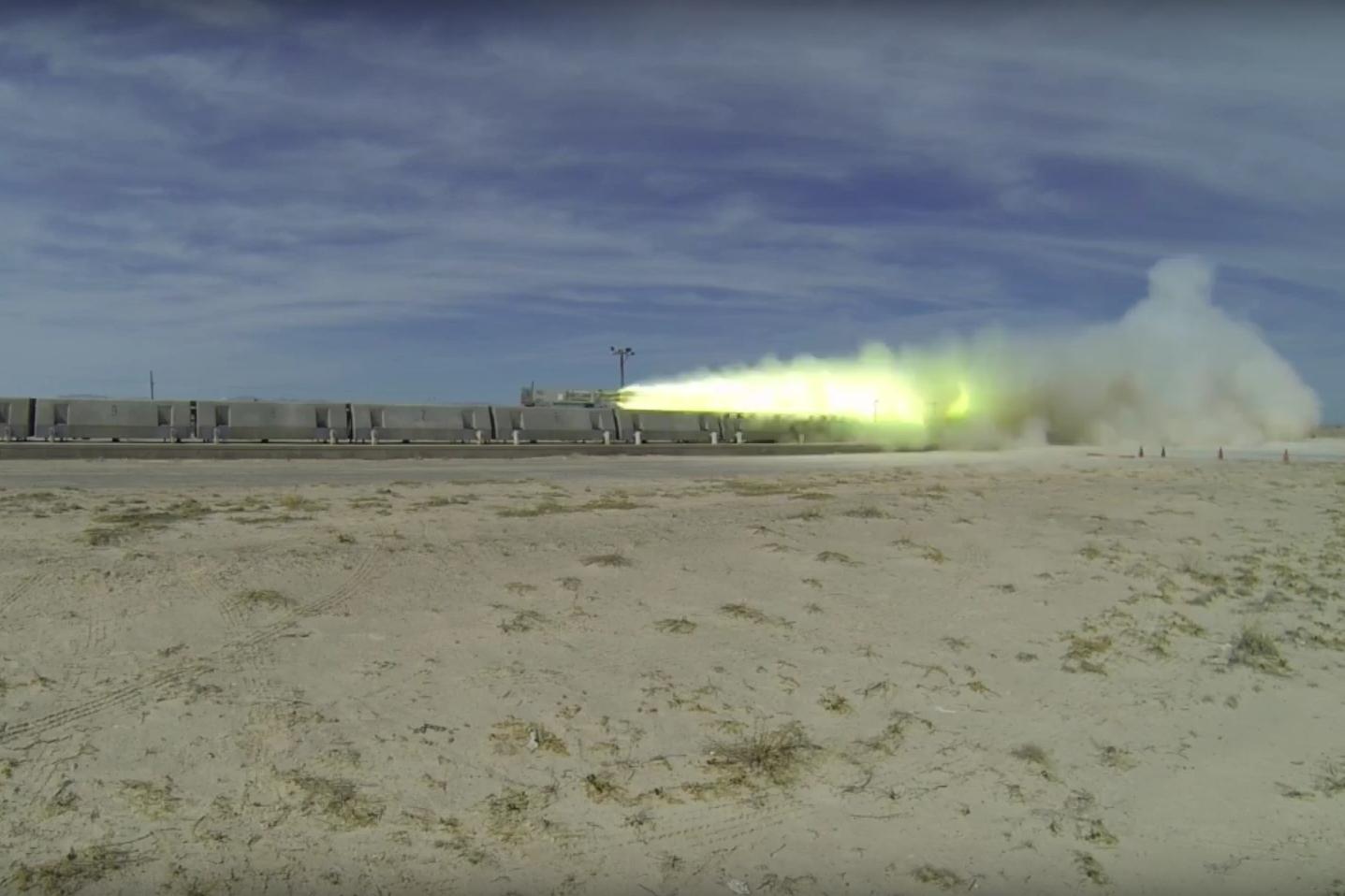 Imagem de Foguete da Força Aérea dos EUA quebra recorde em MagLev [vídeo] no tecmundo